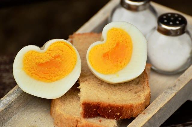 egg-hen-s-egg-boiled-egg-breakfast-egg-160850 Skuteczna dieta odchudzająca - co jeść, a czego unikać?