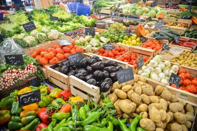 food-healthy-vegetables-potatoes Skuteczna dieta odchudzająca - co jeść, a czego unikać?